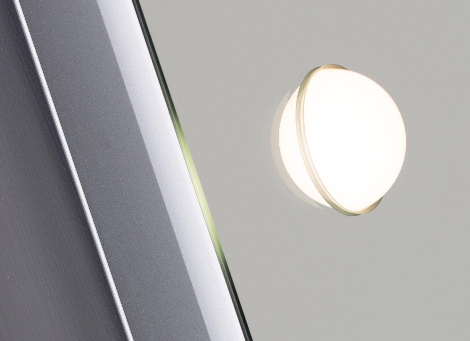 detail-MH-specchi-da-parete-2-hr