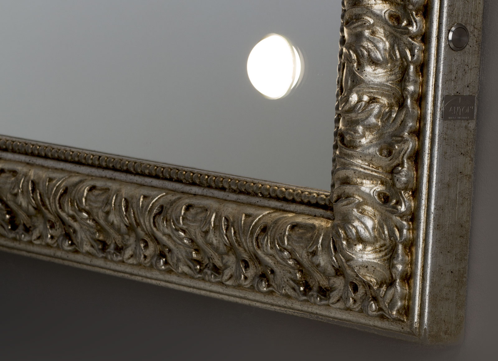 detail-MF-specchi-da-parete-4-hr