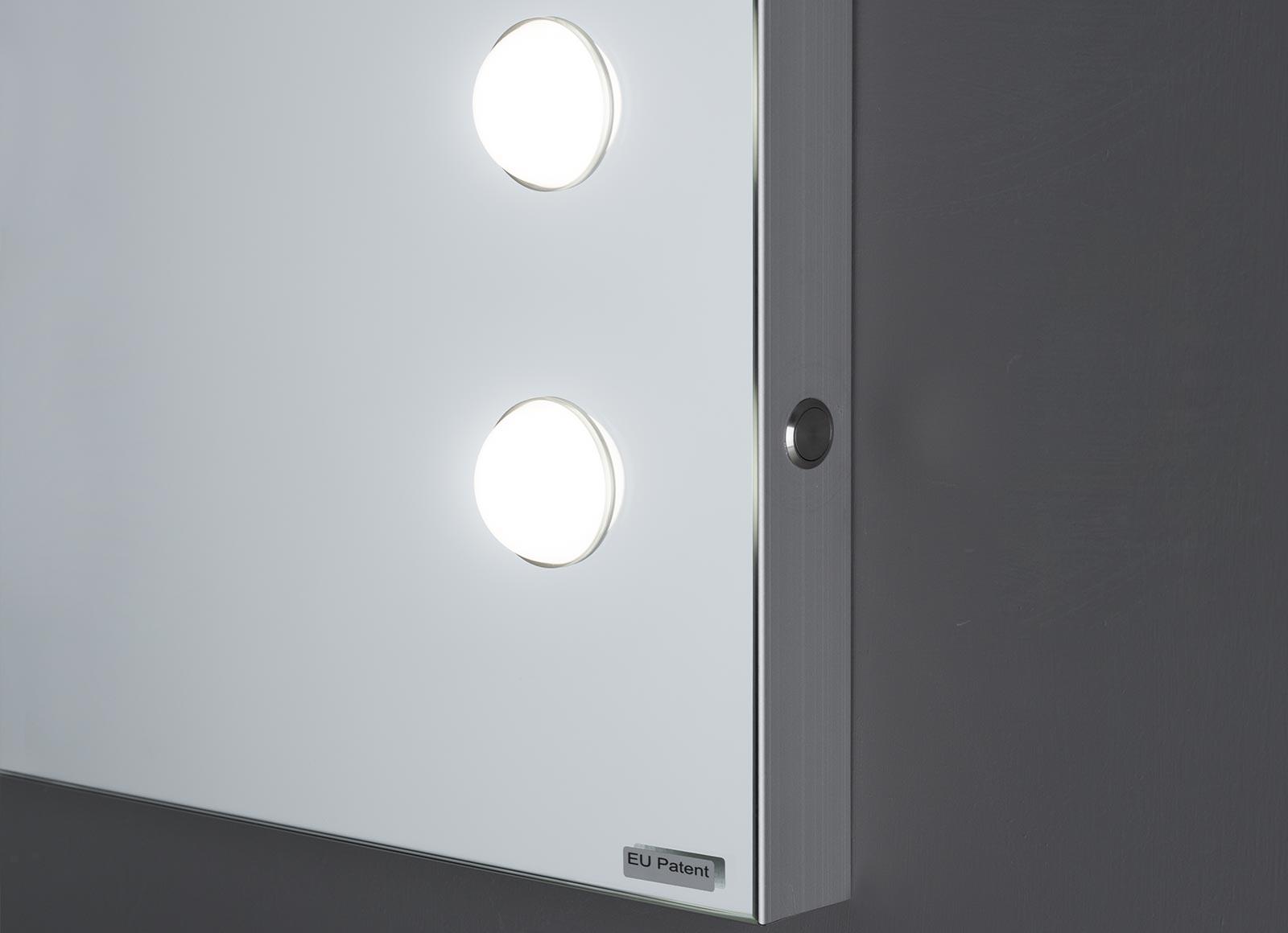 detail-MH-specchi-da-parete-3-hr