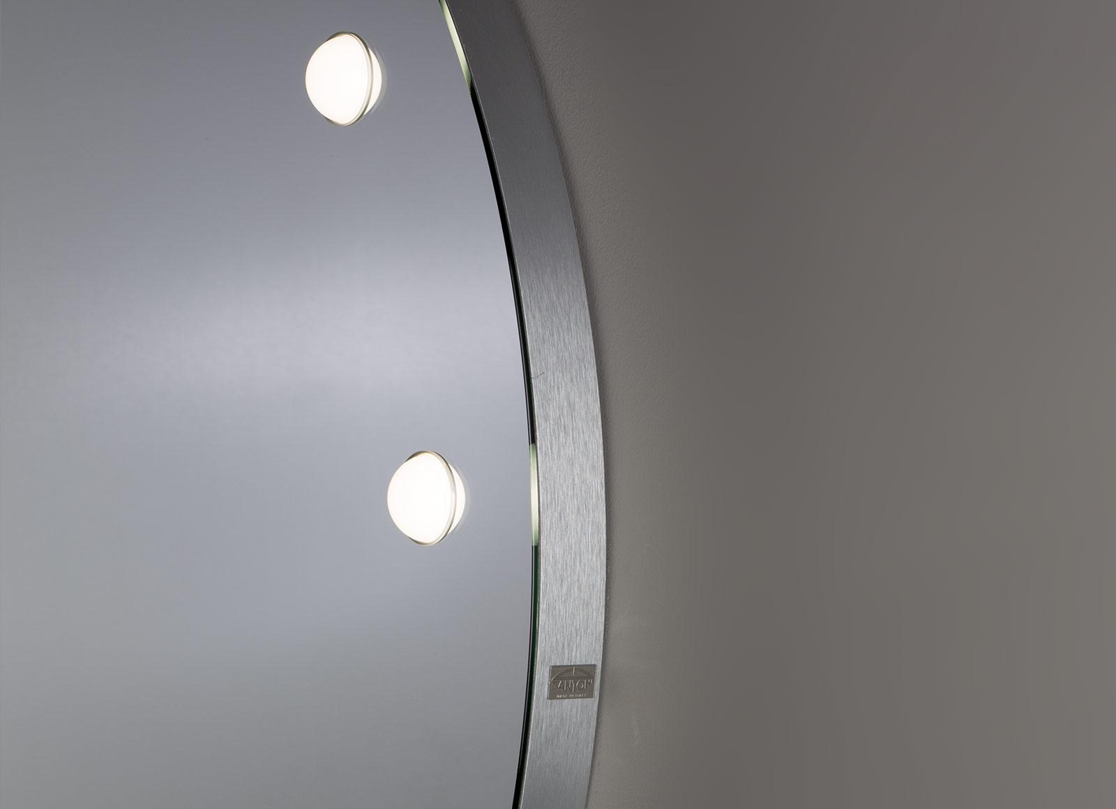 detail-MH-specchi-da-parete-5-hr