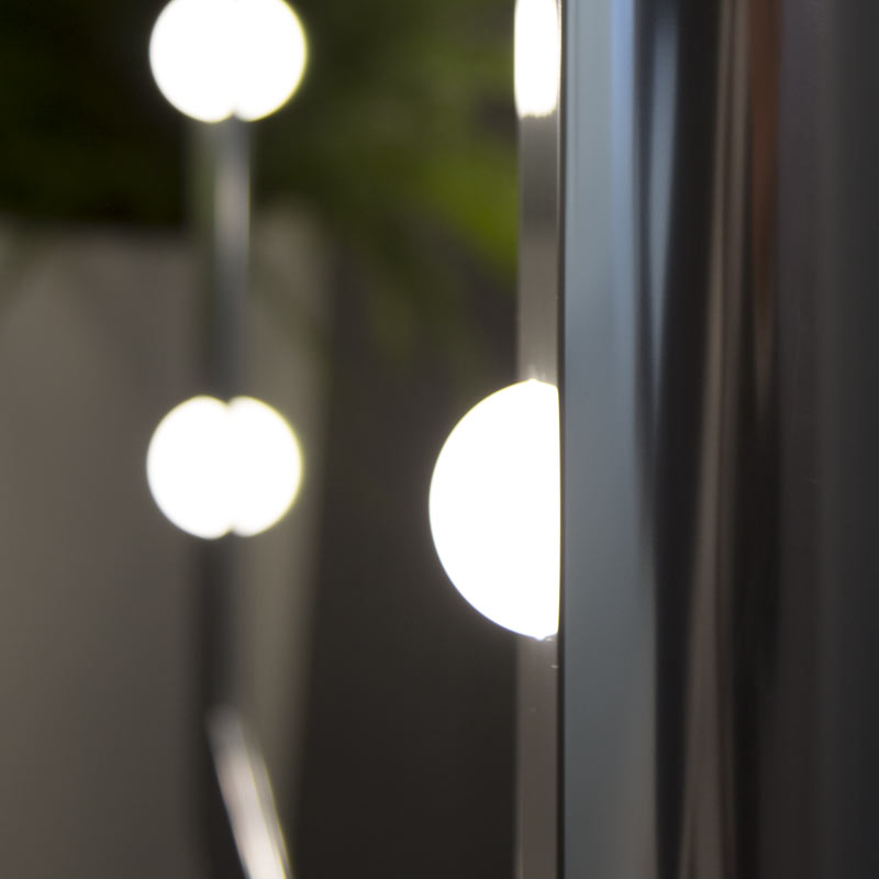 Showroom specchi illuminati San Marino- Dettaglio