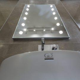 Specchio illuminato I-light da pareteMDE 505 12 luci