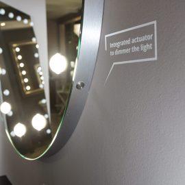 Specchio tondo 12 luci I-light con tavolo consolle Unica by Cantoni