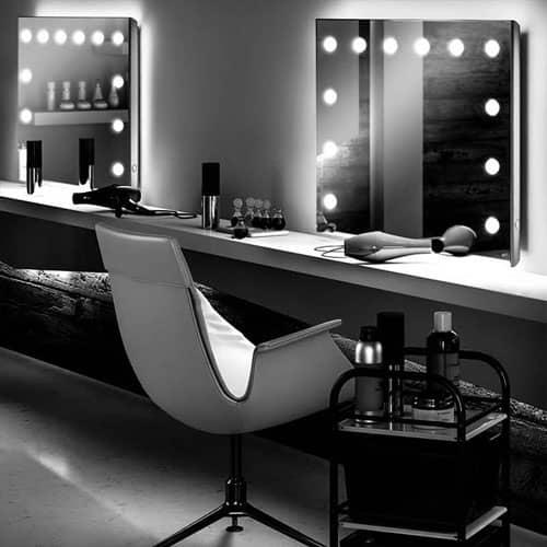 specchio con luci per parrucchieri